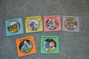Small Raggedy Ann & Andy Books